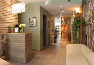 The lobby or reception area at Sanctuary NYC Retreats