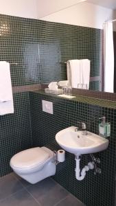 A bathroom at Hótel Valaskjálf