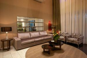 A seating area at Bristol Centro Civico Hotel