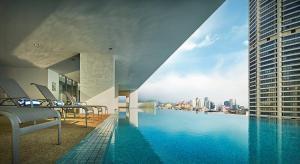 Der Swimmingpool an oder in der Nähe von The Wembley – A St Giles Hotel, Penang