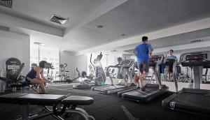Das Fitnesscenter und/oder die Fitnesseinrichtungen in der Unterkunft The Wembley – A St Giles Hotel, Penang