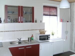 Küche/Küchenzeile in der Unterkunft Fischerhaus König in Alt Sassnitz