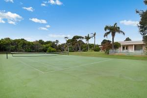 Tennis and/or squash facilities at Blairgowrie Woodland or nearby