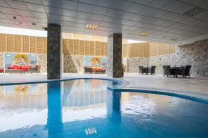 A piscina localizada em Radisson Blu Plaza Jeddah ou nos arredores