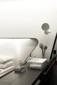 A bathroom at Hotel Q! Berlin