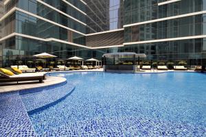The swimming pool at or close to Taj Dubai