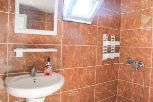 Łazienka w obiekcie Dodo Japaridze Guesthouse