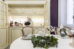 塞特姆布里尼17旅館廚房或簡易廚房