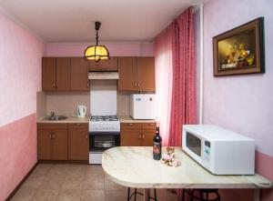 Кухня или мини-кухня в Квартира на Октябрьской