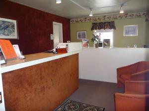 The lobby or reception area at Red Rose Motel