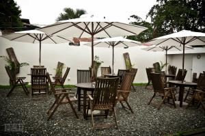 A restaurant or other place to eat at Cleon Villas Pension