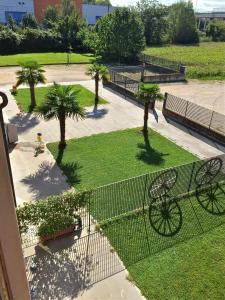 Вид на бассейн в Residence Baco da Seta или окрестностях