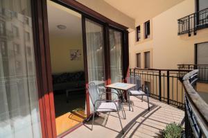 Un balcón o terraza de Leda Apartments