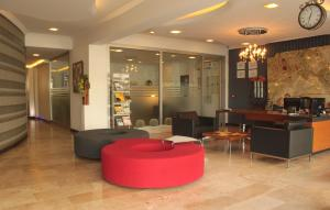 The lobby or reception area at Tempo Residence Comfort Izmir