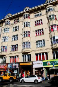 Het gebouw waarin het hostel zich bevindt