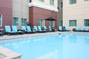 The swimming pool at or close to Residence Inn by Marriott San Jose Airport