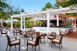 Un restaurante o sitio para comer en Sol Arona Tenerife