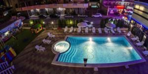 Вид на бассейн в Отель Олимпик или окрестностях