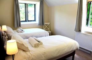 A bed or beds in a room at Trade Digs Chalford