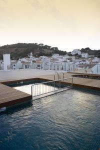 The swimming pool at or near Hotel Loar Ferreries