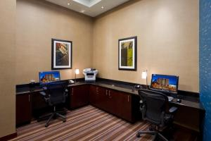 The business area and/or conference room at Embassy Suites Denver - Downtown/Convention Center