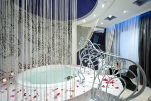 A bathroom at Style Hotel