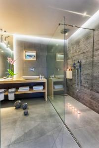 Ένα μπάνιο στο Arkadia Hotel
