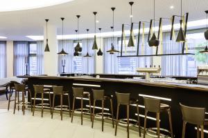 The lounge or bar area at Novotel Nuernberg Centre Ville