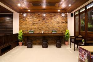 The lobby or reception area at Sabai Hotel & Hostel