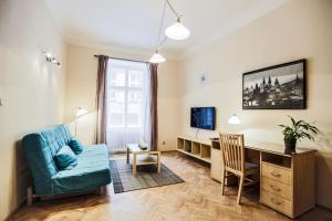 Ein Sitzbereich in der Unterkunft Accommodation Smečky 14