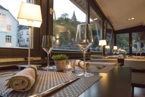 Restaurant ou autre lieu de restauration dans l'établissement Auberge De L'Our