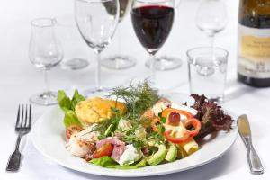 Lunch and/or dinner options for guests at Hotell Högland