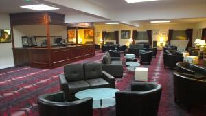 The lounge or bar area at Britannia Hotel Aberdeen