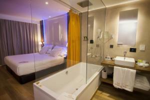 Ett badrum på MB Boutique Hotel - Adults Only