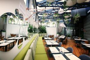 A restaurant or other place to eat at Hotel Berthelot