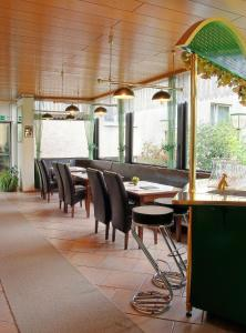 A restaurant or other place to eat at Pension Keinath