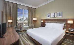 Hilton Garden Inn Dubai Al Muraqabat - Deira