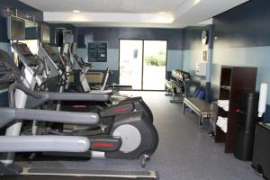 The fitness center and/or fitness facilities at Four Points by Sheraton Downtown Seattle Center