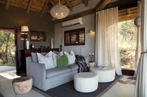 A seating area at Leopard Hills Private Game Reserve