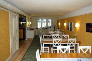 En restaurang eller annat matställe på Hotel Emma