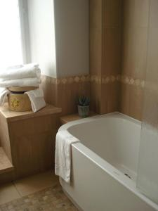 A bathroom at Château De Pray