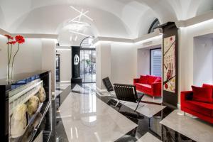A seating area at Gioberti Art Hotel
