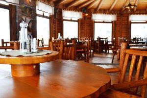 A restaurant or other place to eat at Hotel Hajducke Vode