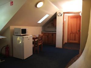Кухня или мини-кухня в Litinterp Klaipeda Guest House