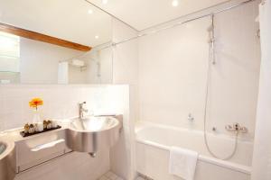 A bathroom at Hotel am Havelufer Potsdam