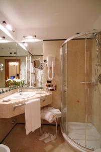 A bathroom at Albergo Cavalletto & Doge Orseolo