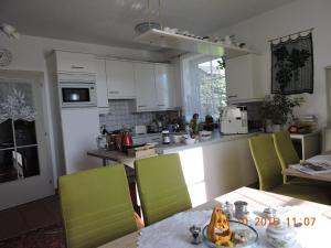 Küche/Küchenzeile in der Unterkunft Gästehaus Haagen