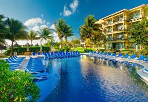 The swimming pool at or near Hotel Marina El Cid Spa & Beach Resort - All Inclusive