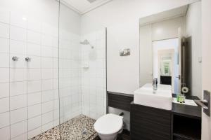 Ванная комната в Nightcap at Sandringham Hotel