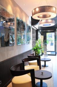Salon ou bar de l'établissement Hotel Europole